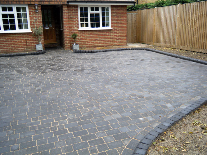 Block Paved Driveway with Brett Alpha Antique with Rustic High Kerb Edging
