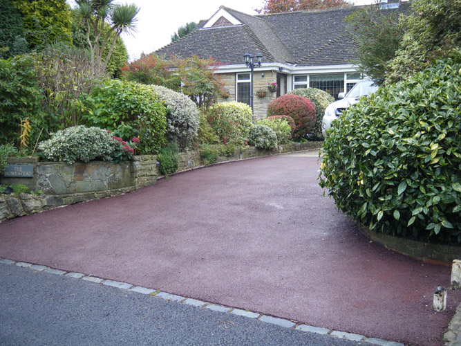 New drive with tarmac with block edging